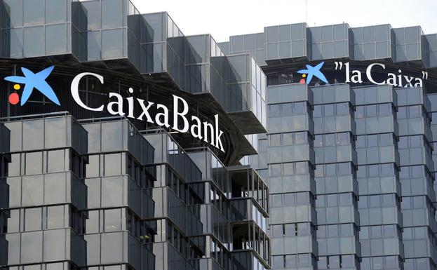 Caixabank busca j venes titulados en la comunitat for Oficinas caixabank valencia