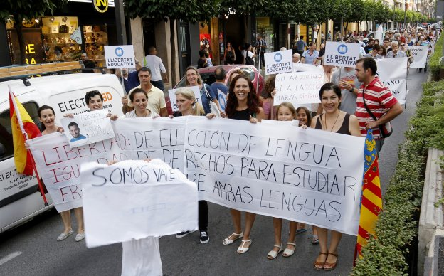 TORRENT SE MANIFIESTA CONTRA EL PLURILINGUISMO DEL CATALANISTA MARZA
