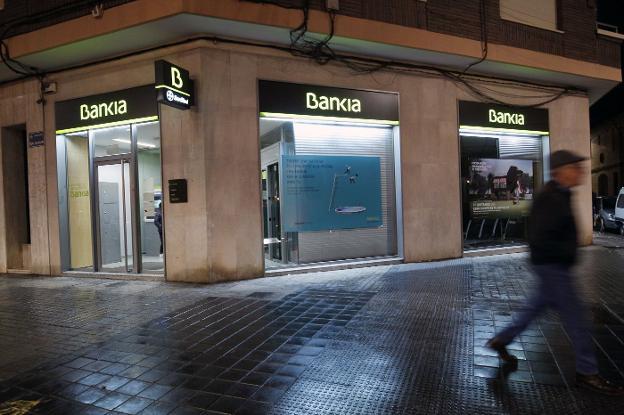 Bankia y bmn cerrar n 49 oficinas en la comunitat antes de for Oficinas bankia alicante