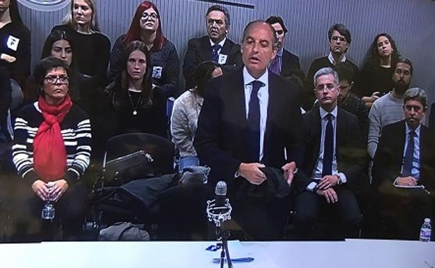Camps, a su llegada a la Audiencia.