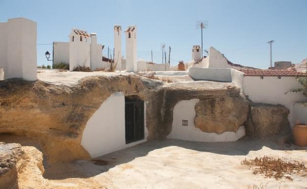 Casas-cueva de San Miguel de Salinas