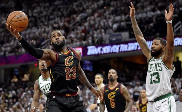 LeBron James durante el partido./Reuters