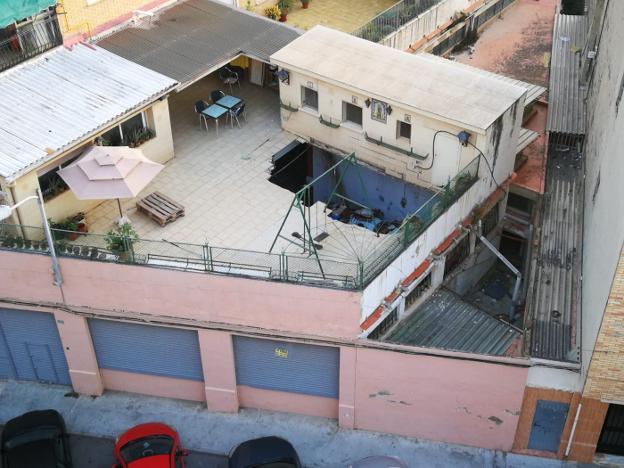 La Terraza De Una Casa Se Derrumba En Benicalap Las Provincias
