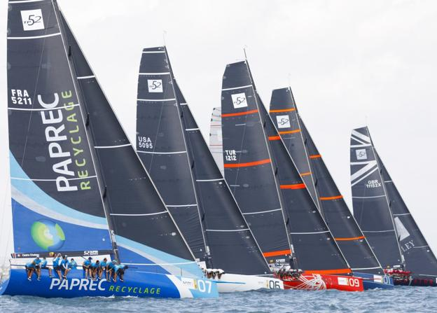 La regata se disputa frente a la Malvarrosa. / 52 super series