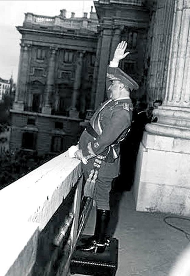 ¿Cuánto mide Francisco Franco? - Altura - Real height - medía - Página 14 Franco-subido-krkF-U601626329492Ck-624x905@RC