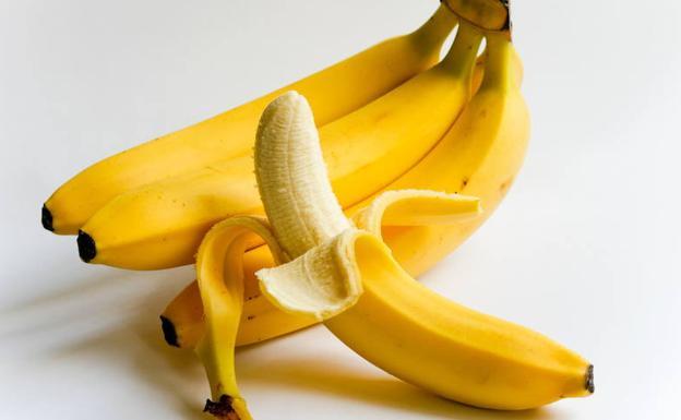 Hebras o floemas del plátano: beneficio nutricional | Seguramente comes mal  los plátanos y no lo sabes | Las Provincias