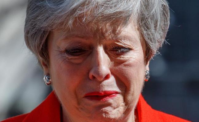 Theresa May dimite sin lograr el 'brexit'