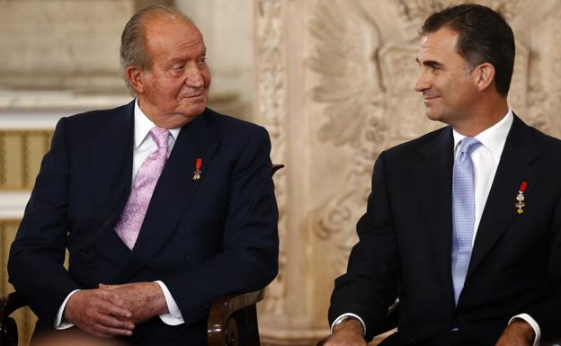 Felipe VI renuncia a la herencia de don Juan Carlos y le retira su asignación