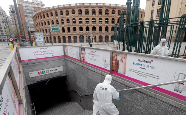La pandemia se cobra ya víctimas jóvenes y sanas y crece un 25% diario en España