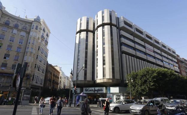 El Corte Inglés presenta un ERTE para 25.900 empleados