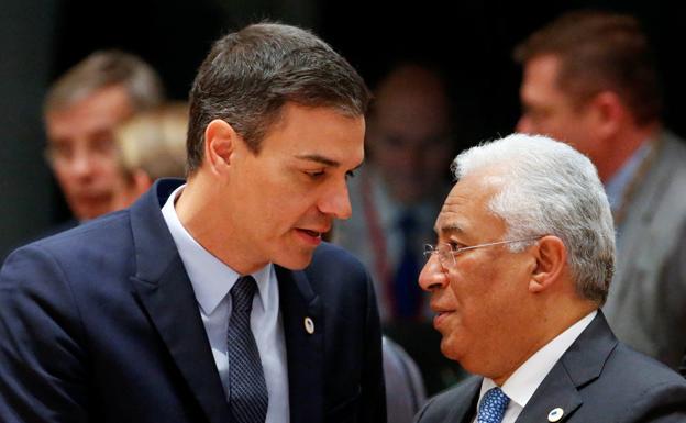 Sánchez y ocho gobernantes piden «alinear» las medidas de contención en la UE
