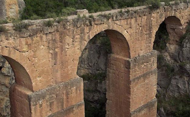 Acueducto romano de Peña Cortada en Chelva.