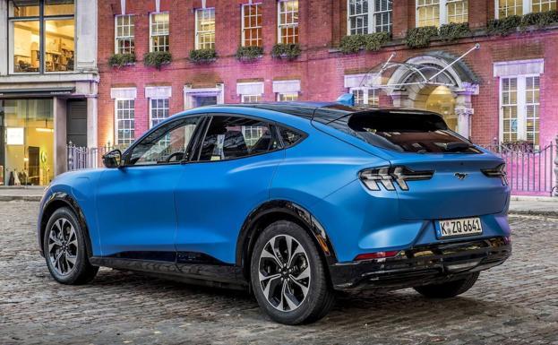 El Ford Capri Mach-e será un hermano pequeño de este Mustang eléctrico.