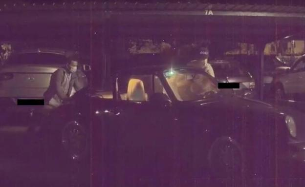Vídeo: Un Tesla graba el robo de un Porsche en Benicàssim y pilla in fraganti a los ladrones
