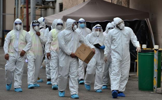 La OMS alerta del riesgo más grande del coronavirus en plena época de rebrotes