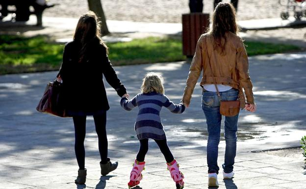 Valencia precinta los parques infantiles de la ciudad para evitar contagios