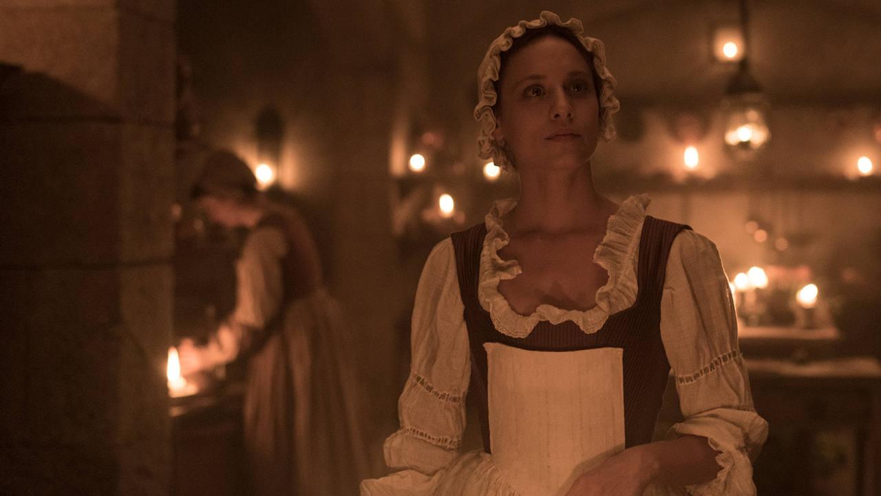 Clara (Michelle Jenner) en 'La cocinera de Castamar'.