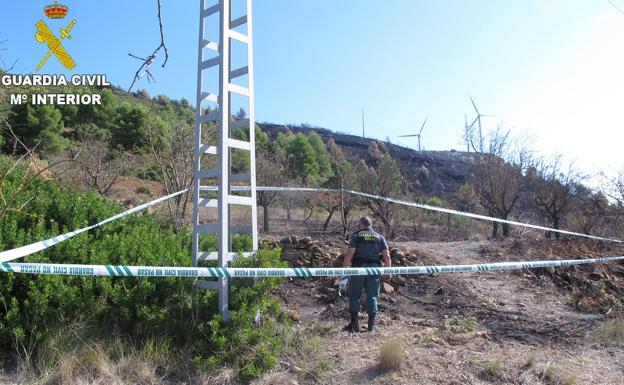 Zona afectada por el incendio del parque 'La Cabrera' de Buñol.  / Guardia Civil