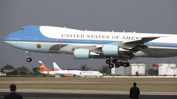 El Air Force One despega de La Habana con Barack Obama a bordo./