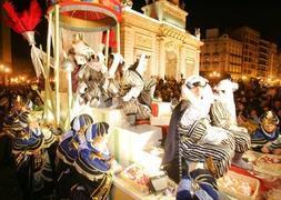 Carrozas De Reyes Magos Fotos.40 Carrozas Y Cien Animales Acompanaran A Los Reyes Magos